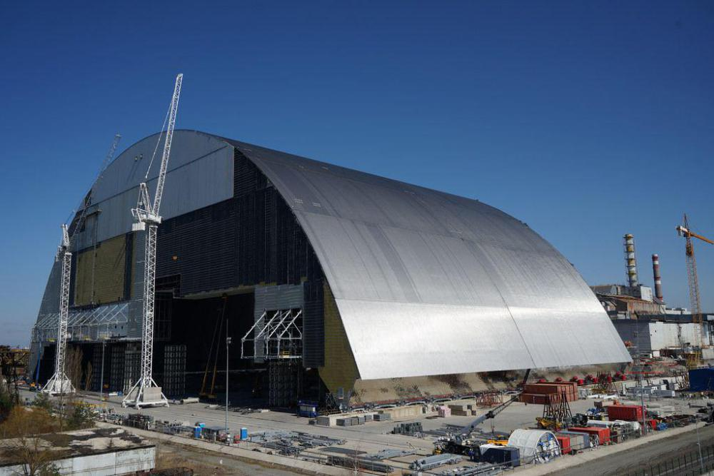 chernobyl_nuclear_power_plant_new_safe_confinement_26447282122_l.jpg