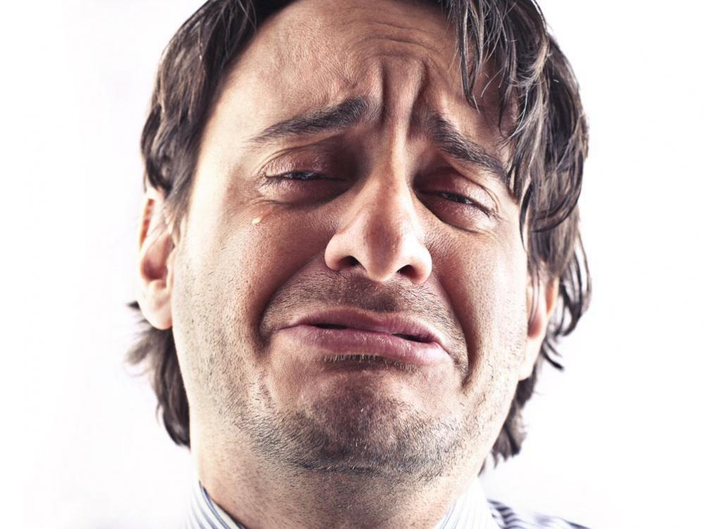 man-crying-01.thumb.jpg.5c1c6acc915ebbf3d379bcb7a30f440d.jpg
